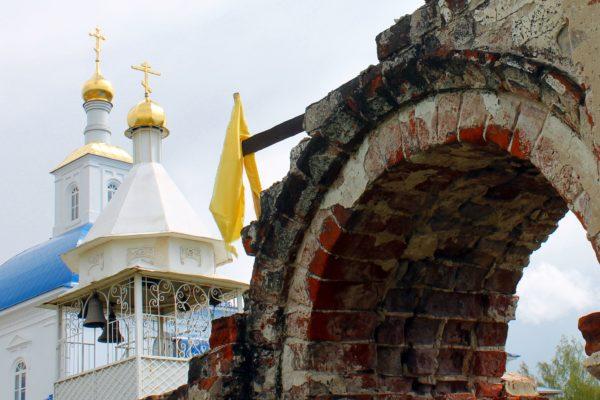 «Возродим Святыни России» — помощь храмам и монастырям