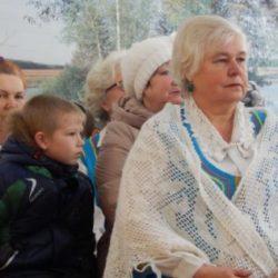 Волонтеры движения «Милосердие» выступили перед жителями деревни Плотинка Борского района