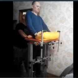 Ищем помощников мужчине для занятий на тренажере после травмы