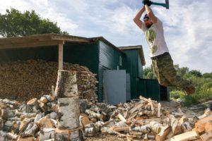 Нужна помощь в заготовке дров для храма