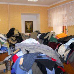 Ищем волонтеров для сортировки вещей