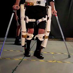 Мальчику с ДЦП нужна помощь учиться ходить