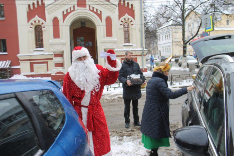 К Рождеству Христову везем подарки